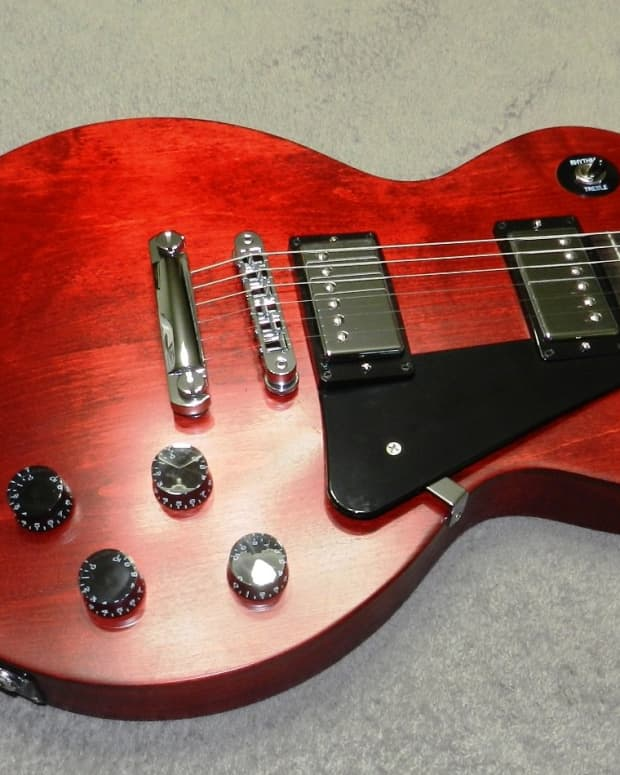 gibson-sg-vs-les-paul-whats-the-difference-and-which-is-better