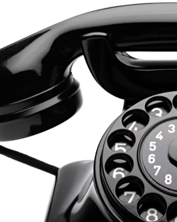 cold-calling-is-dying-and-what-it-means-for-sales