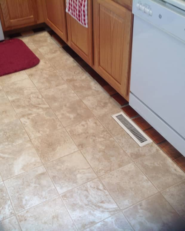 vinyl-flooring-in-the-kitchen