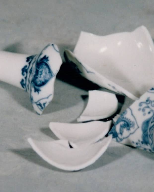 pieces-of-a-broken-vase