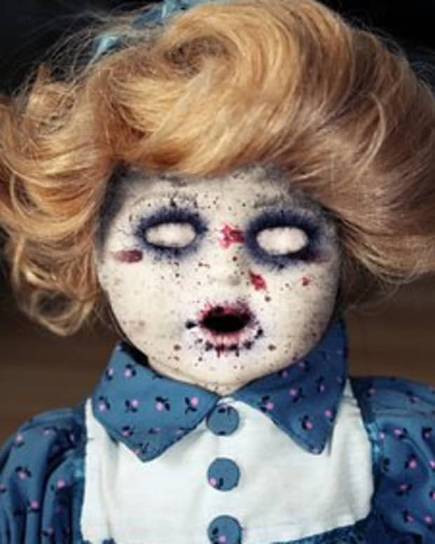 5-terrifying-tales-of-real-life-cursed-objects