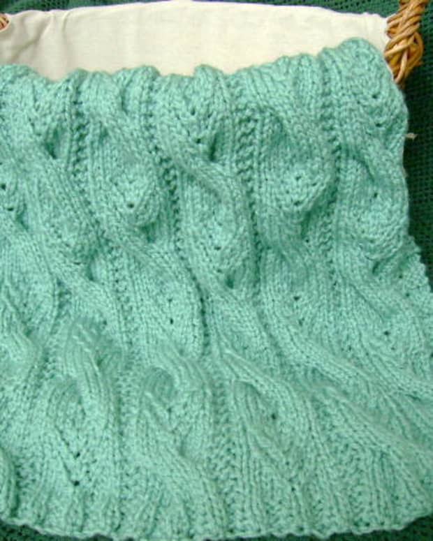 free-afghan-knitting-pattern-sweet-cables-baby-blanket