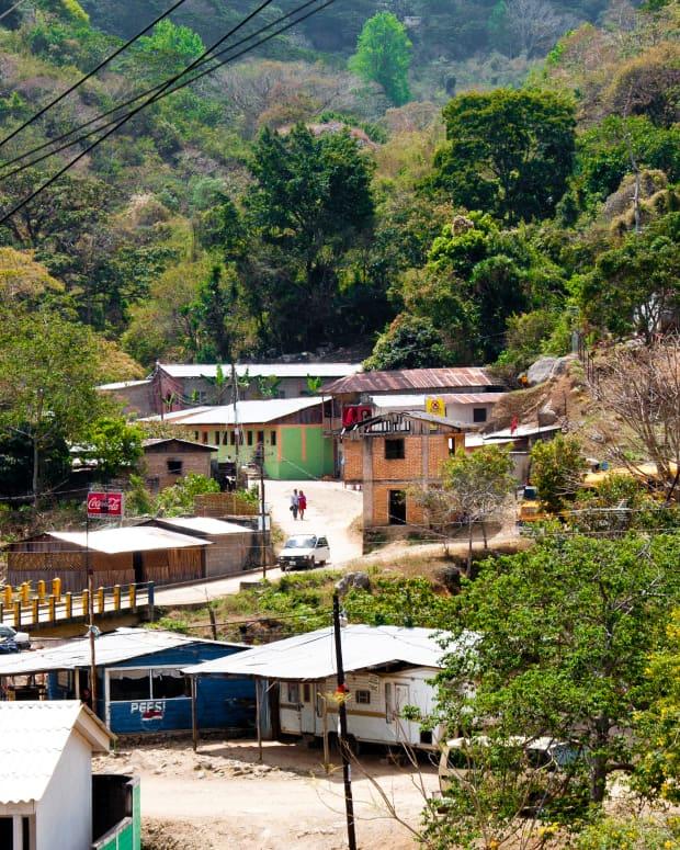 honduras-off-the-beaten-path-san-juancito-gateway-to-la-tigra