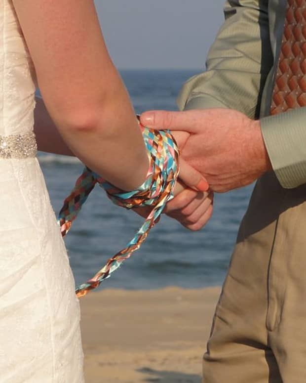 handfasting-a-wiccan-wedding-ceremony