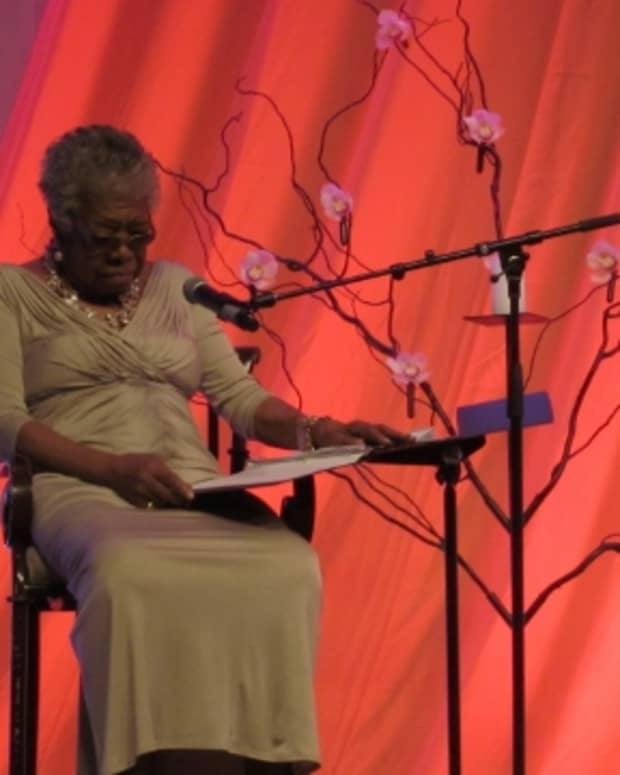maya-angelou-legendary-poet-a-woman-who-dared-to-dream