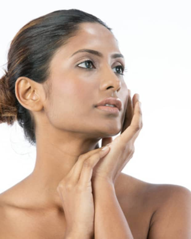 natural-skin-lightening-with-gram-flour