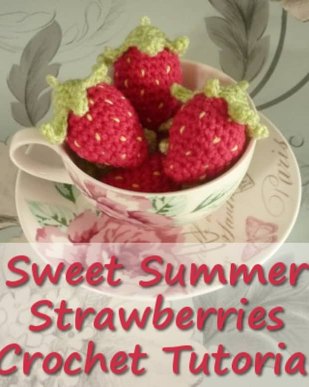 crochet-strawberry-tutorial