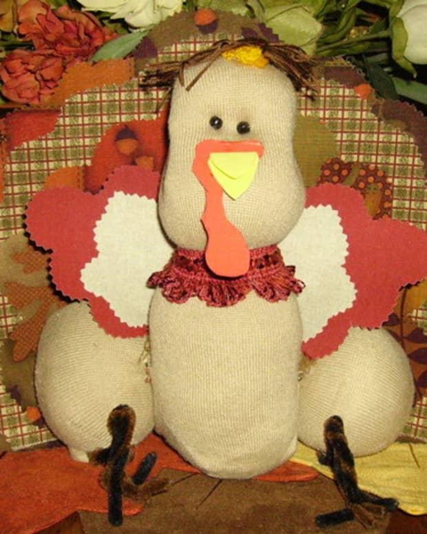 thanksgiving-no-sew-turkey-centerpiece