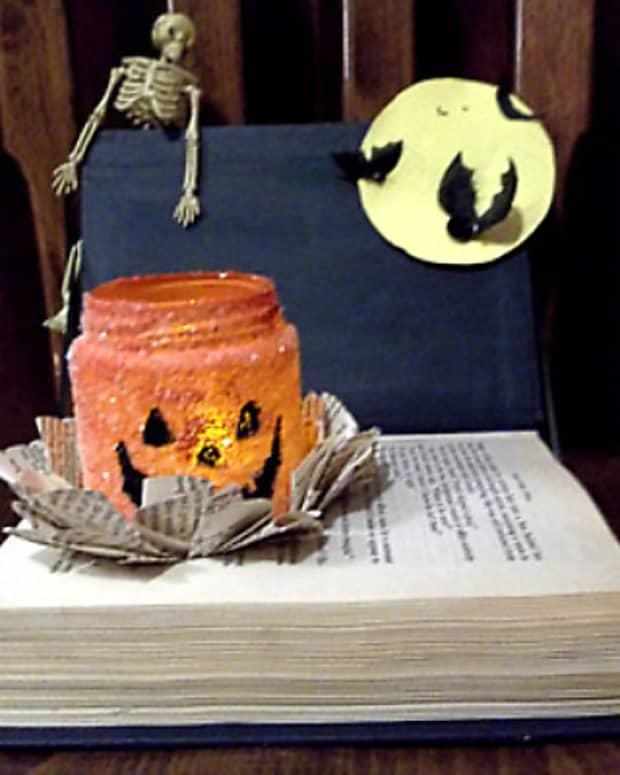 book-craft-halloween-decoration