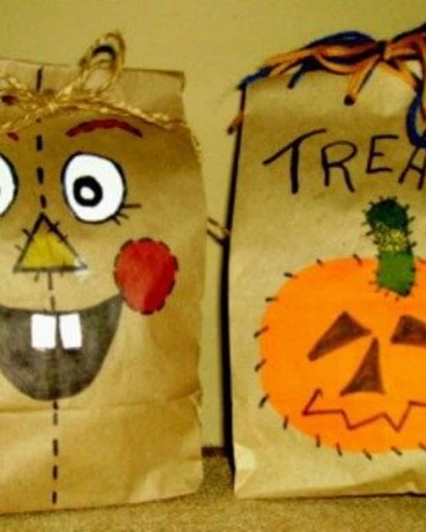 halloween-treats-in-a-brown-paper-bag