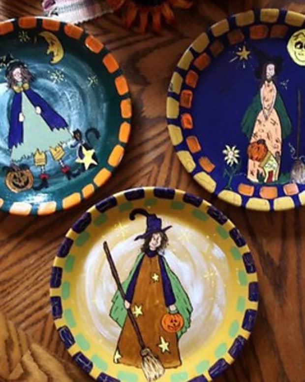 painting-a-halloween-plate
