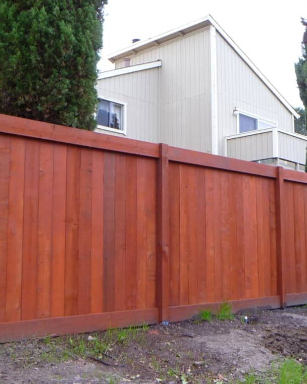 tips-for-applying-wood-fence-stain