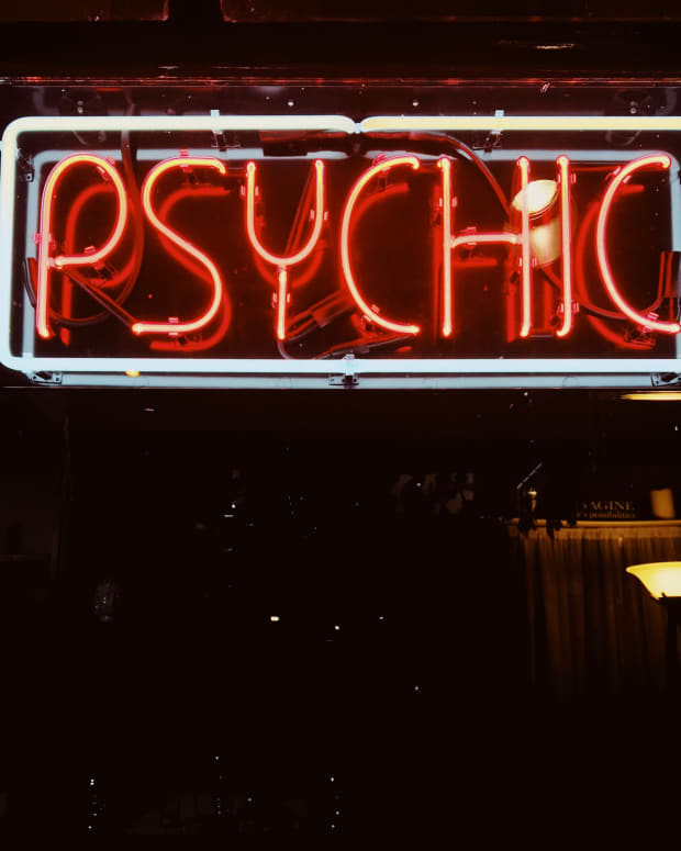 can-you-sue-a-psychic-the-history-of-psychic-lawsuits
