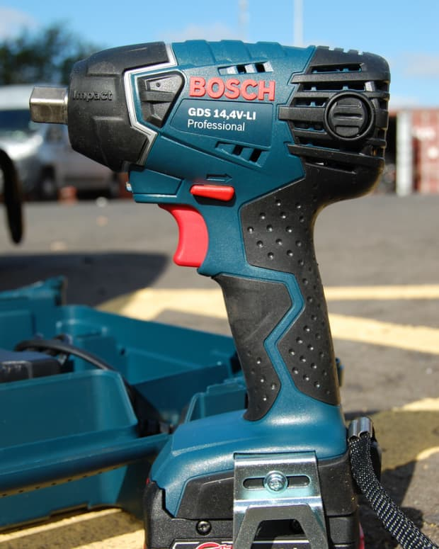 top-4-cordless-impact-wrenches-reviews-of-battery-powered-drivers