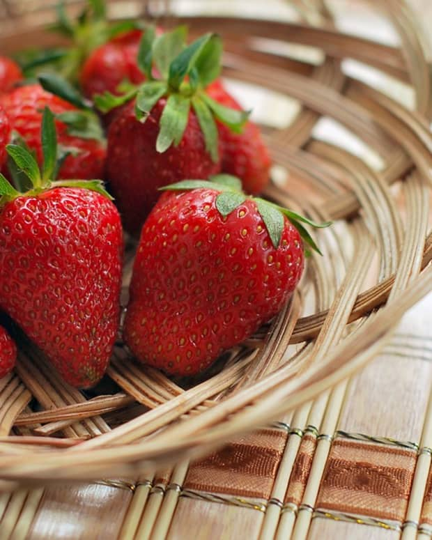 a-guide-to-growing-strawberries