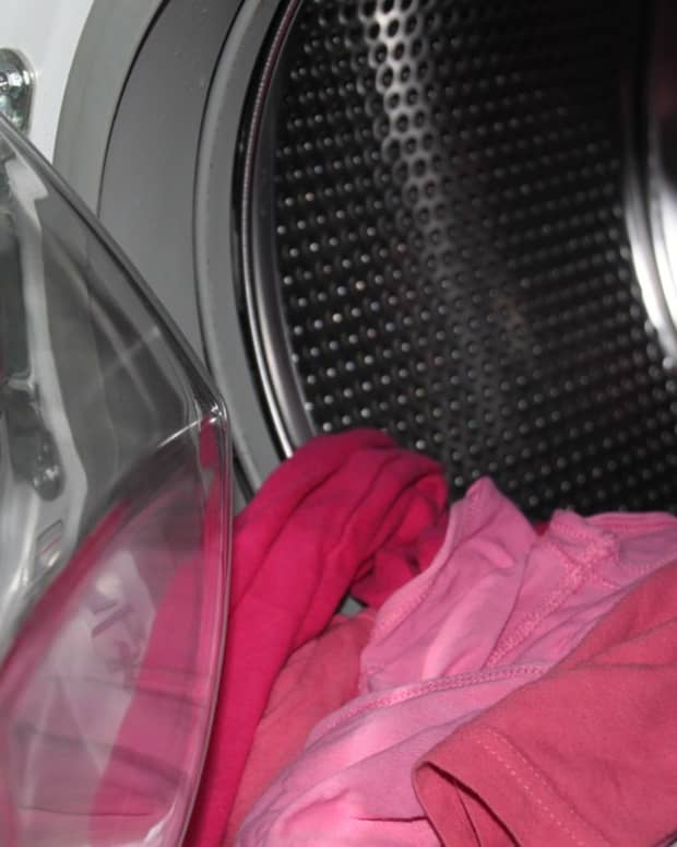 does-washing-clothes-kill-germs