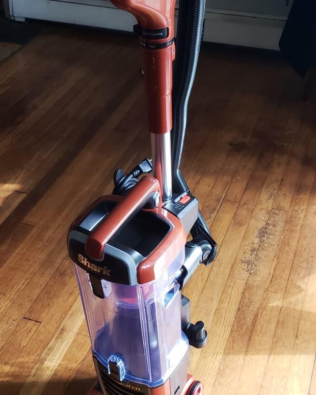 shark-navigator-vacuum-review