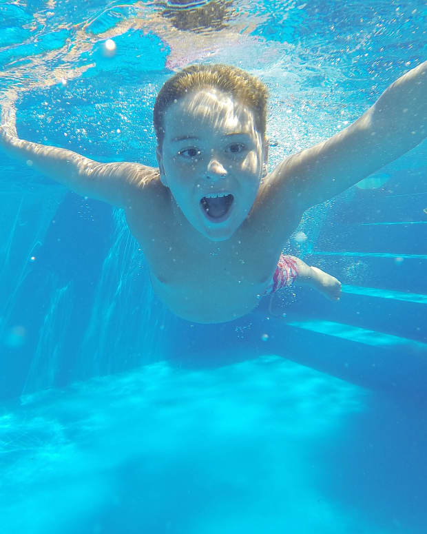 peeing-in-swimming-pools-chemicals-and-health-hazards