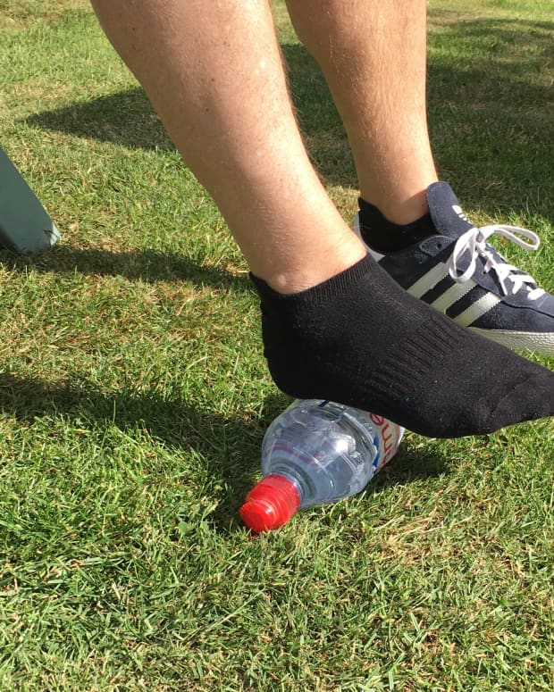 how-to-relieve-heel-and-foot-pain-in-4-simple-stretches