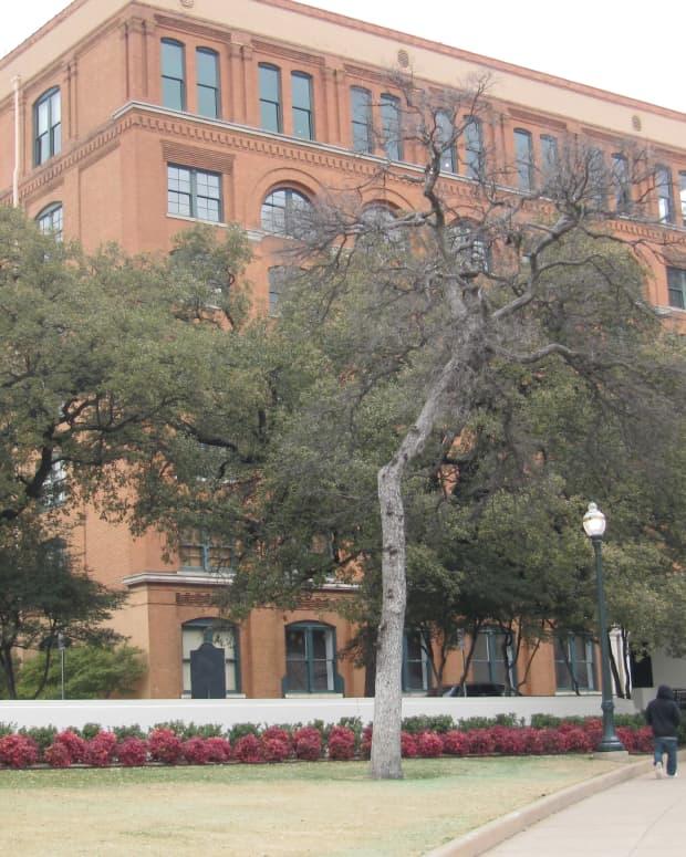 traveling-around-dallas-texas-sixth-floor-museum