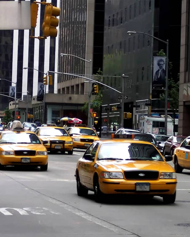 man-vs-car-vs-taxi