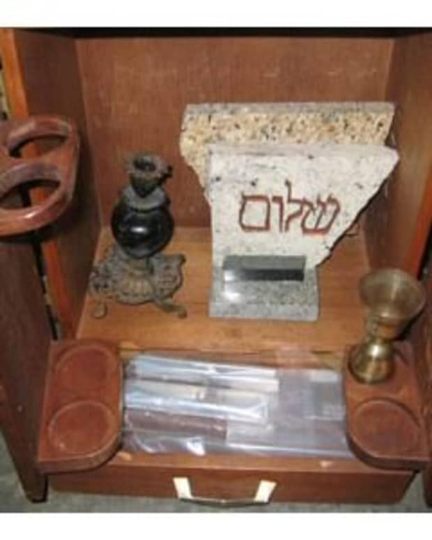the-dibbuk-box-where-is-it-now