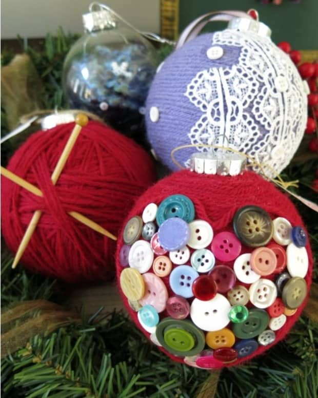 diy-craft-decoration-easy-handmade-christmas-ornaments-made-with-yarn