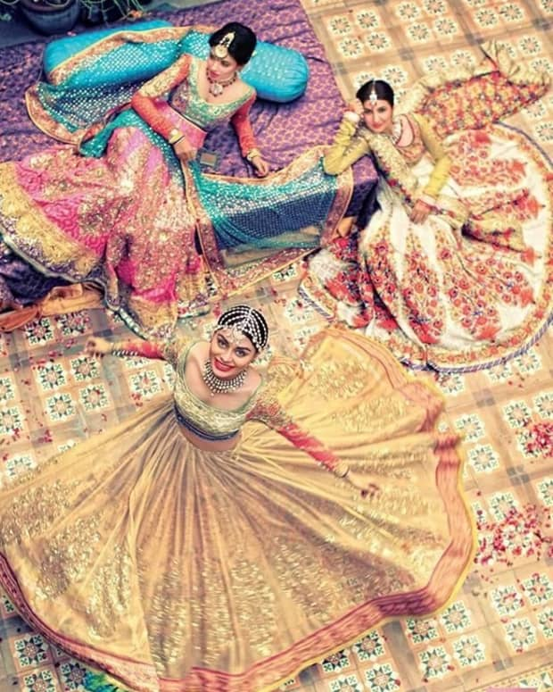 latest-bridal-lehenga-gorgeous-collection-of-photographs-of-bridal-couture