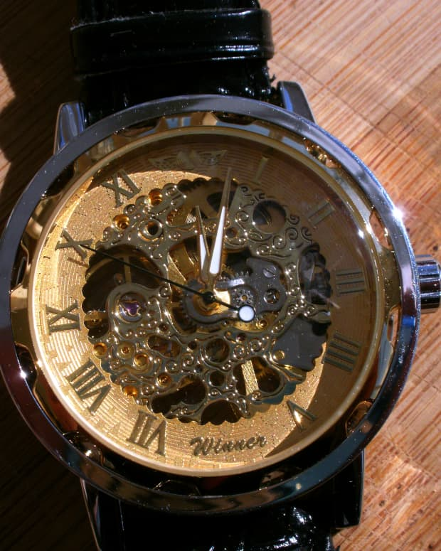 review-of-the-winner-mens-luxury-semi-mechanical-skeleton-watch-387588
