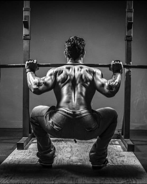 whats-the-better-exercise-squat-vs-front-squat