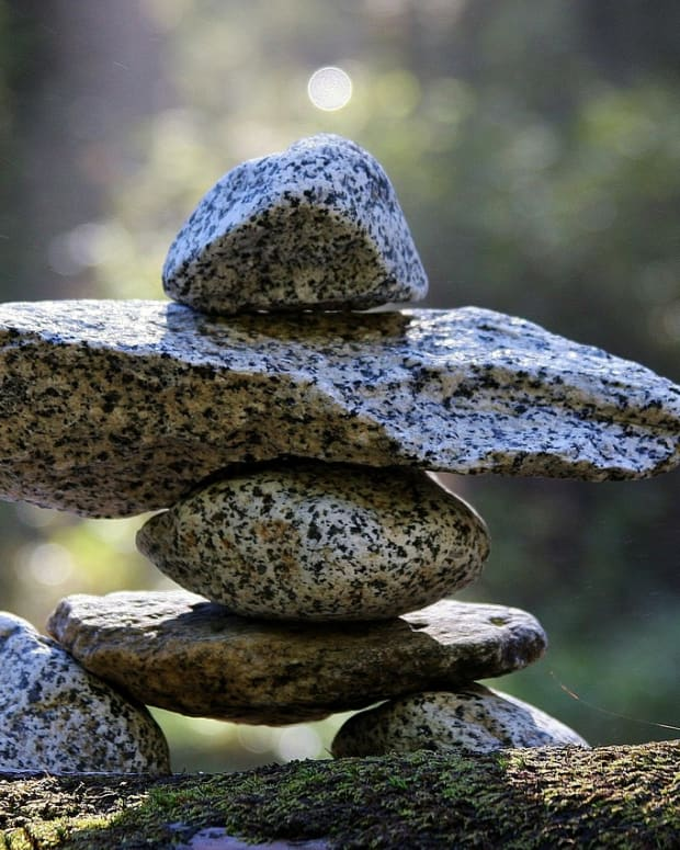 guide-to-healing-family-conflicts-with-crystals-and-meditation