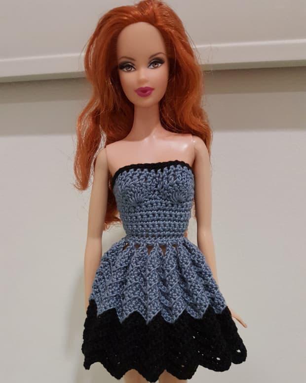 barbie-strapless-chevron-dress-free-crochet-pattern