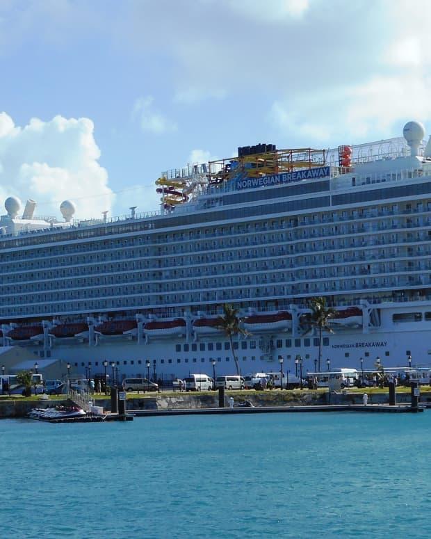 norwegian-breakaway-vs-gem-cruise-ship-review