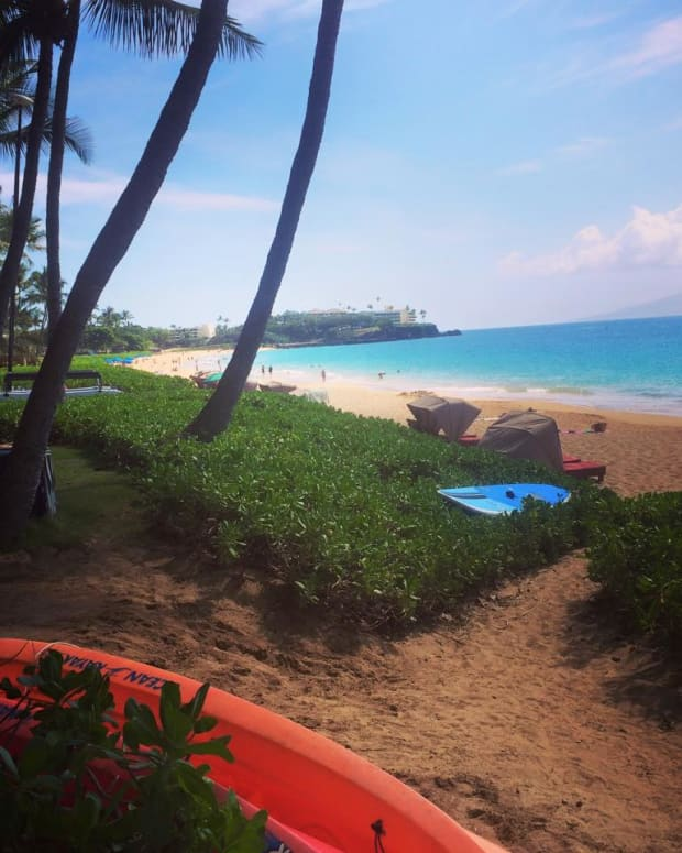 can-women-travel-alone-going-to-hawaii