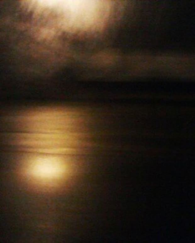 sentinel-moon-tune
