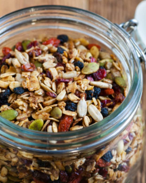 top-superfoods-that-enhance-athletic-performance