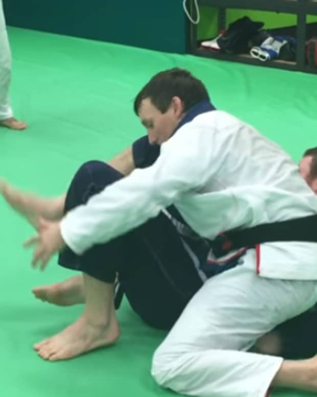 how-to-finish-the-armbar-rnc-defense-grip-breaks-bjj