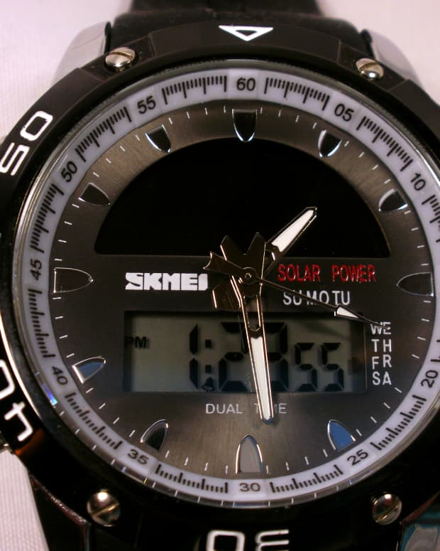 review-of-the-skmei-1064-mens-sports-watch-with-dual-movement-and-solar-power