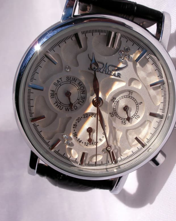 review-of-the-jaragar-jjs008-unisex-automatic-wristwatch-with-date-and-day-functions