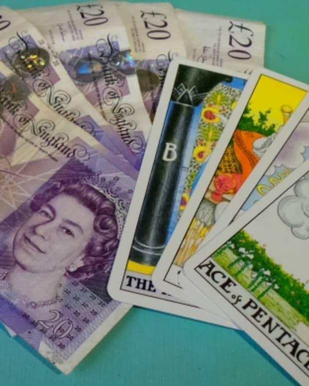how-to-make-money-reading-tarot-cards