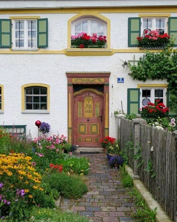 feng-shui-for-your-front-door