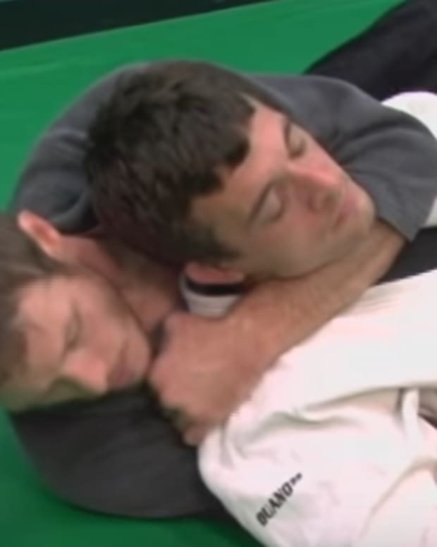 how-to-set-up-a-crucifix-for-bjj