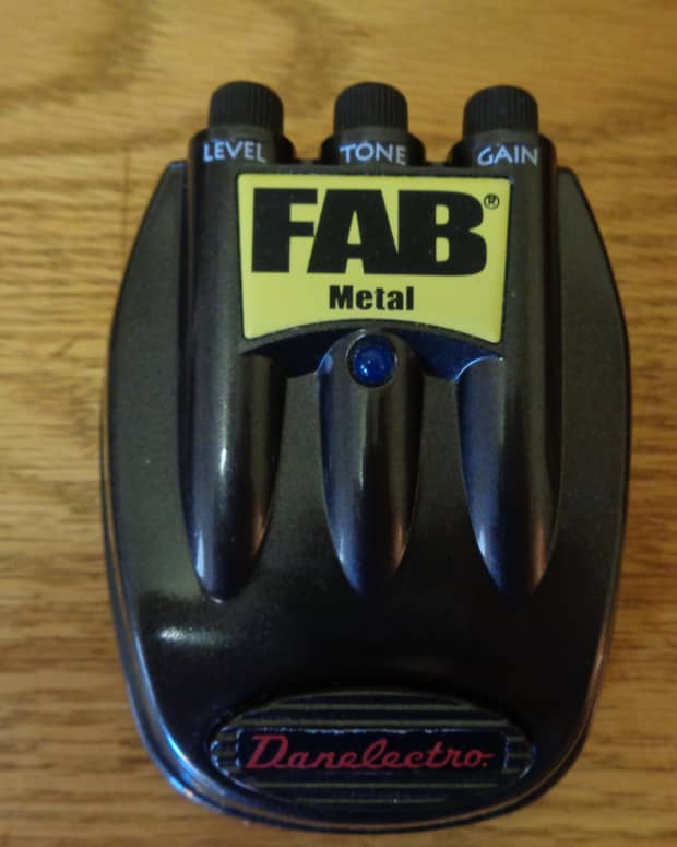 cheap-distortion-pedal-review-the-danelectro-fab-metal-stompbox