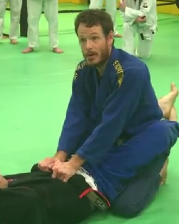 how-to-open-the-closed-guard-in-bjj