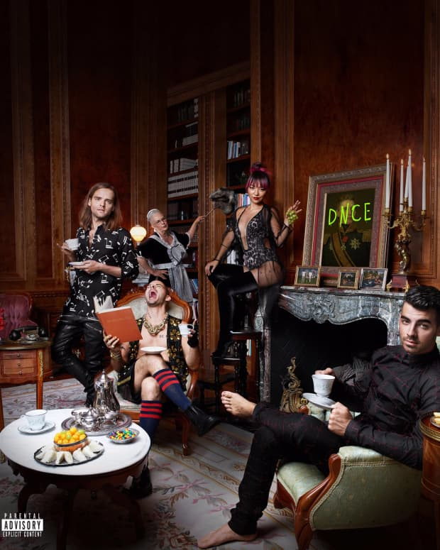 review-dnces-album-dnce