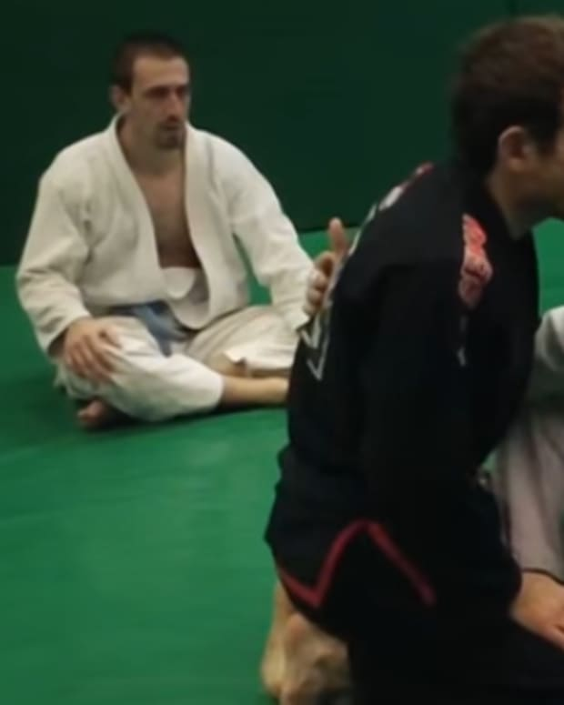 how-to-pass-butterfly-guard-in-bjj
