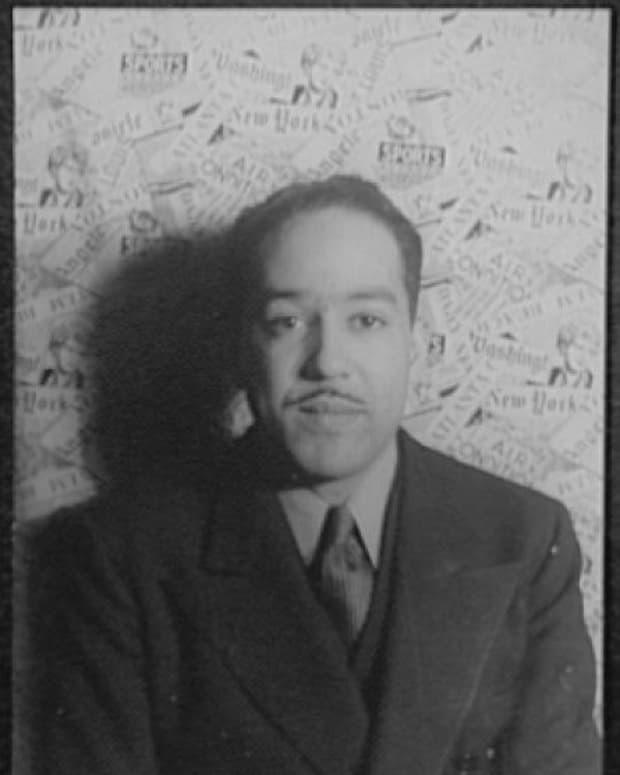 analysis-of-poem-harlem-what-happens-to-a-dream-deferred-by-langston-hughes