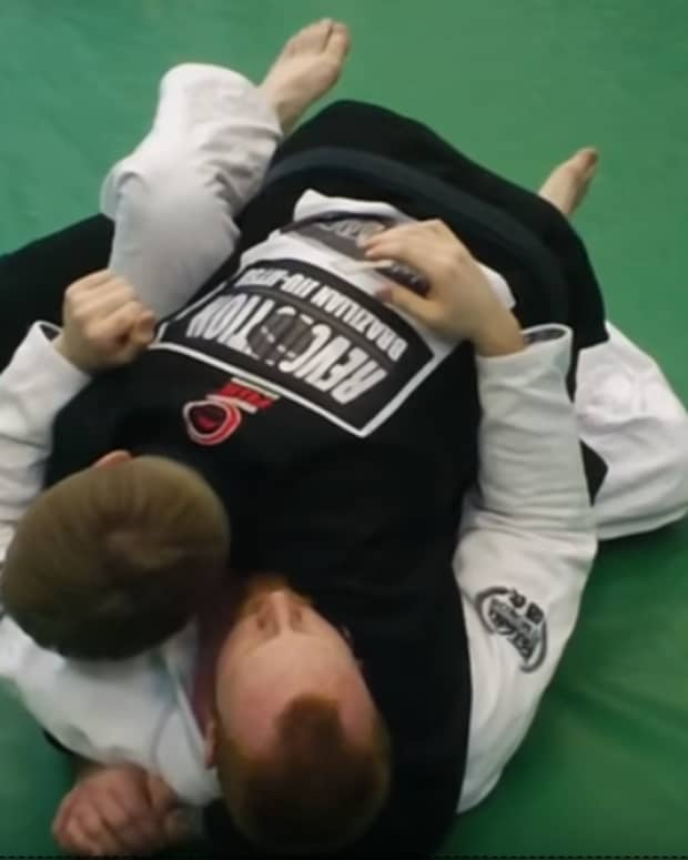 how-to-do-a-leg-staple-guard-pass-in-bjj