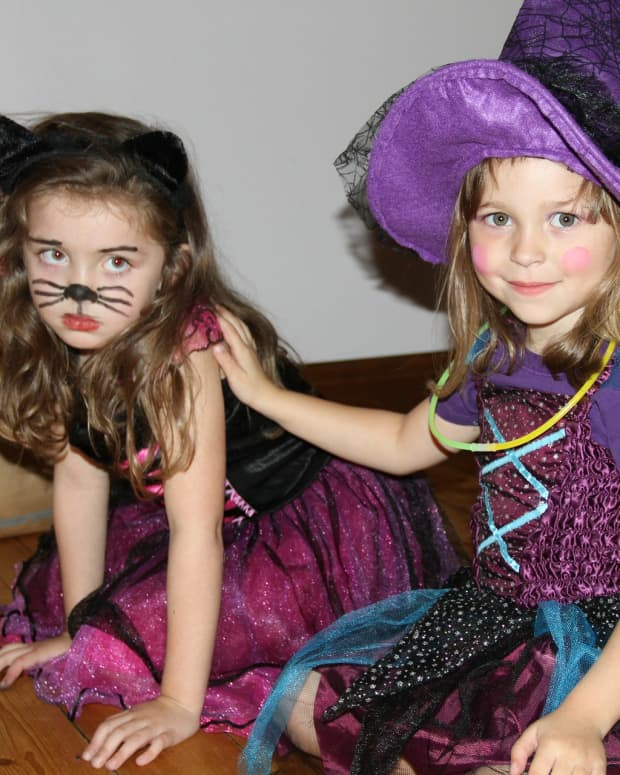 halloween-safety-tips-for-kids-pets-how-to-keep-safe-on-halloween