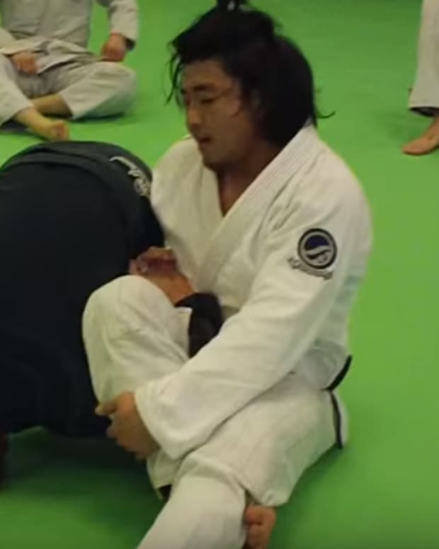 how-to-escape-the-omoplata